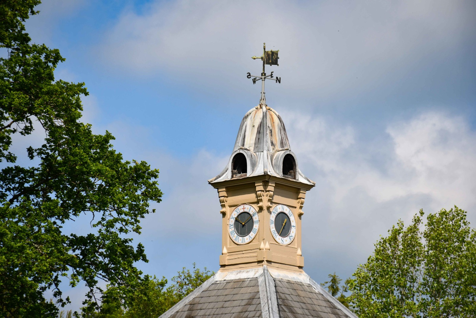 The belfry of Scotney House © French Moments