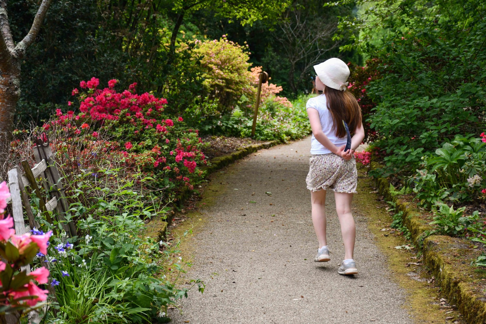 The gardens near Scotney House © French Moments