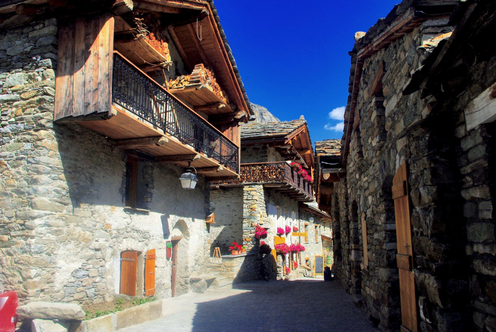 In the centre of the village of Bonneval © French Moments