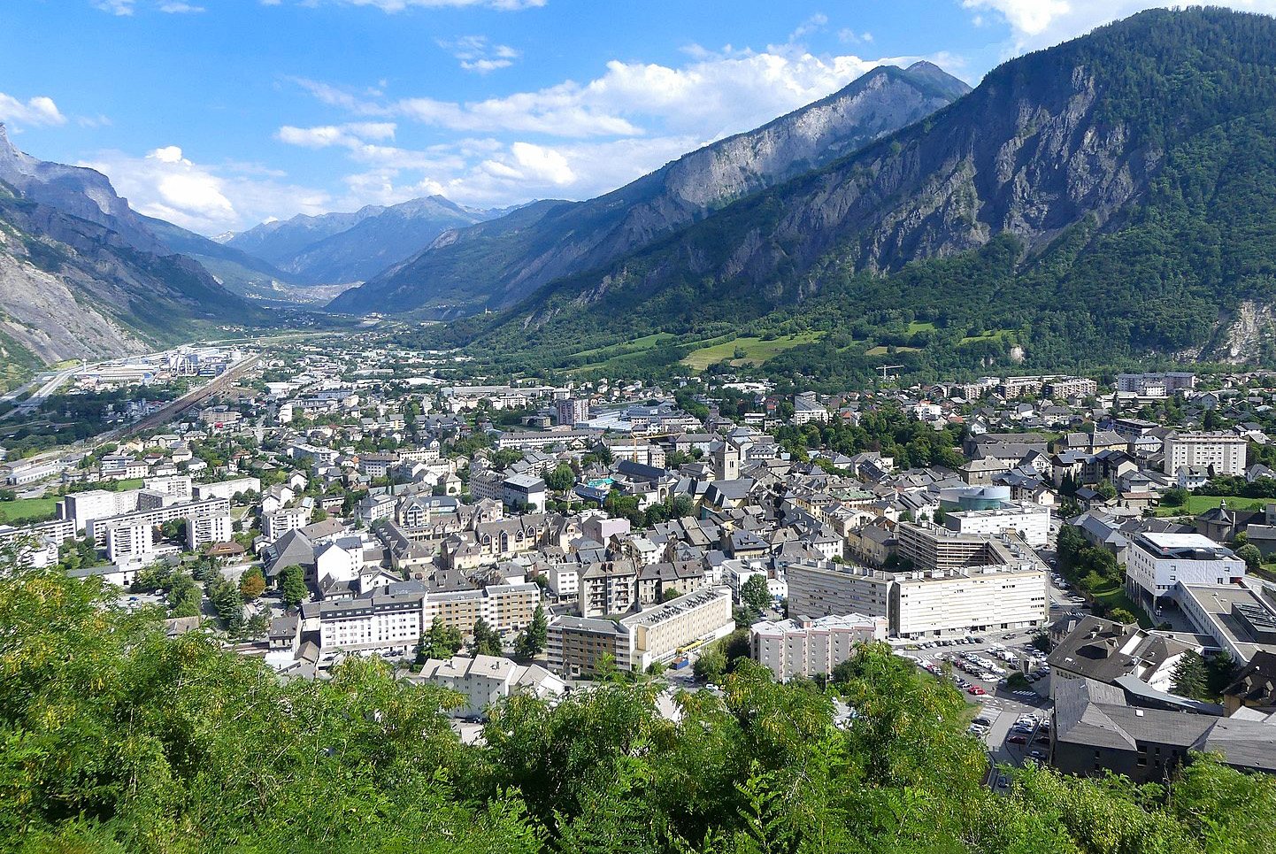 General view of Saint-Jean-de-Maurienne © Florian Pépellin - license [CC BY-SA 4.0] from Wikimedia Commons