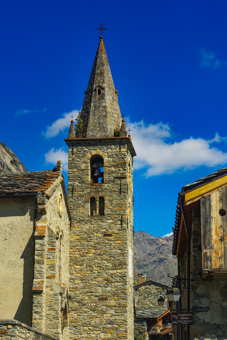 Bell tower of Bonneval-sur-Arc - Arêches © French Moments