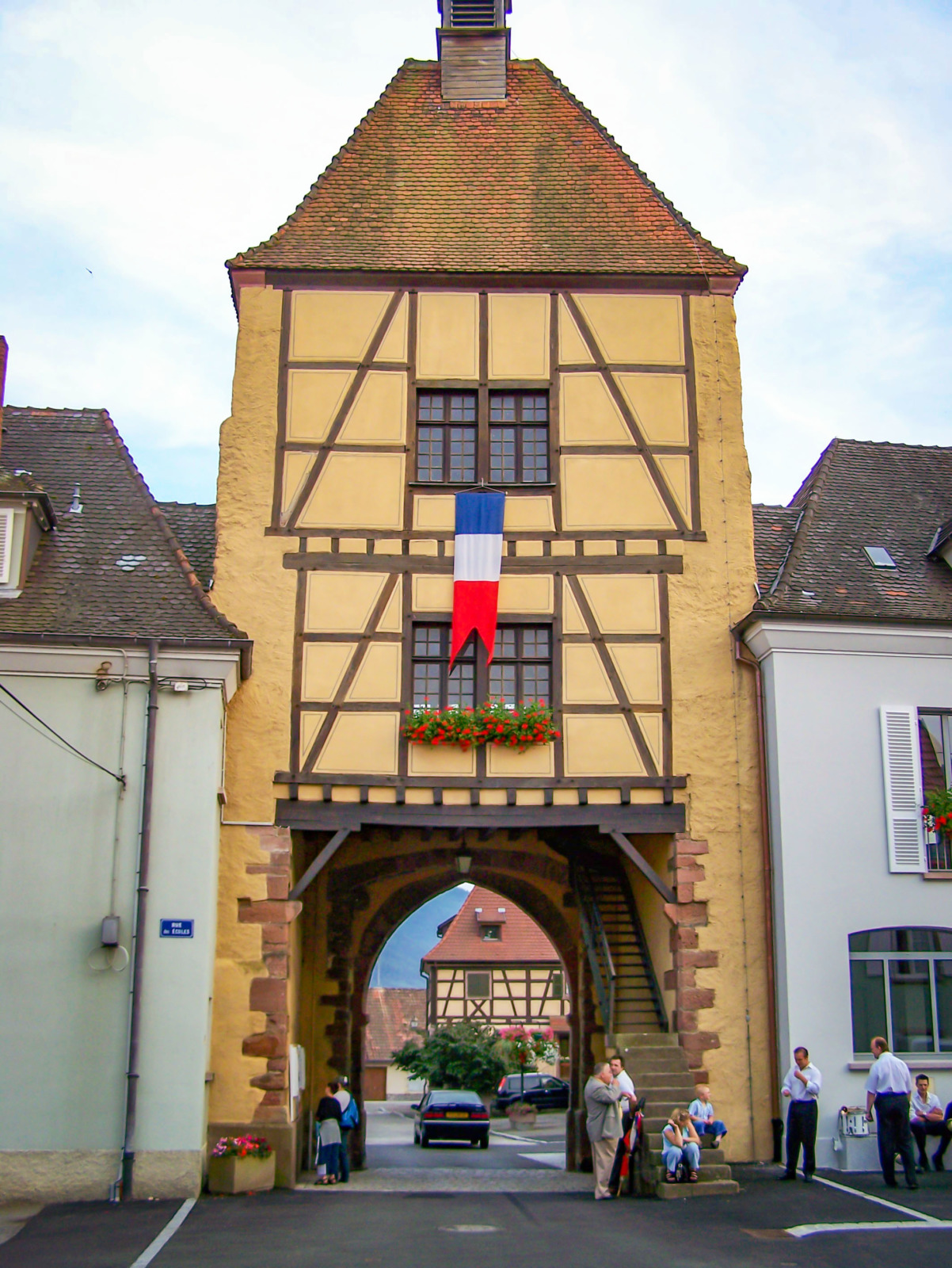City gates of Alsace - Wihr-au-Val - Untertor © Madaki - licence [CC BY 2.5] from Wikimedia Commons