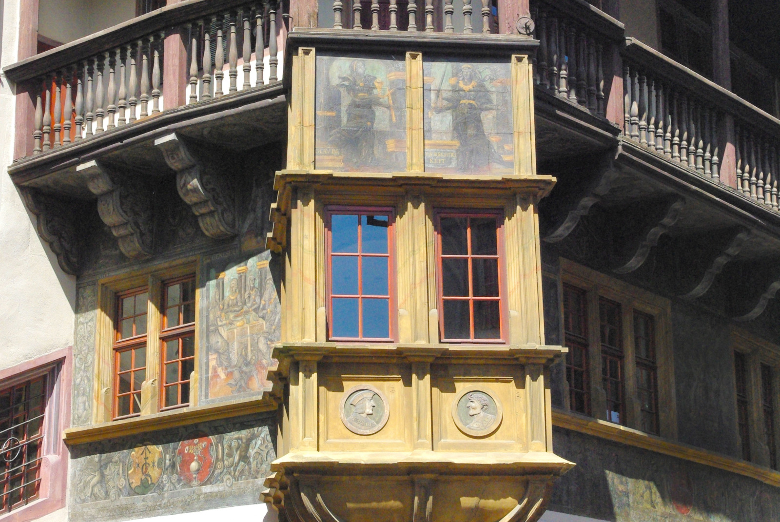 The oriel of the Pfister House in Colmar © French Moments