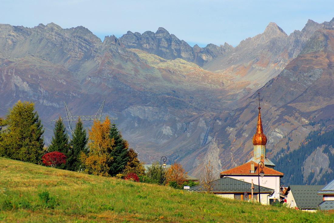 Village of Les Chapelles © French Moments