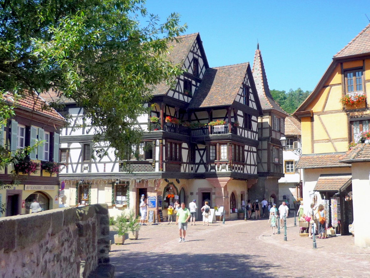 The Faller-Brief House in Kaysersberg, one of the most beautiful Renaissance houses in Alsace © French Moments