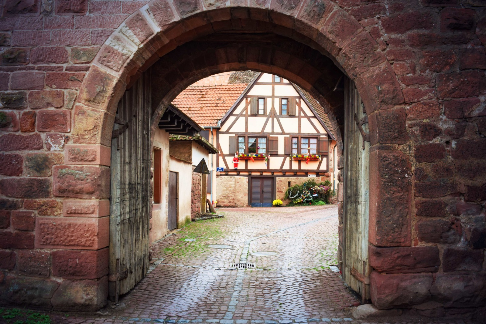 Fortified City Gates of Alsace - Niedertor, Wangen © French Moments